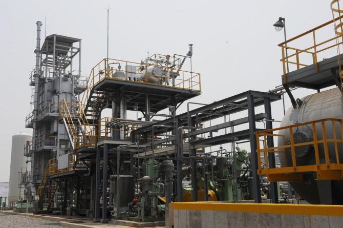 한국화학연구원은 이산화탄소와 메탄을 이용해 메탄올을 하루에 10t 생산할 수 있는 실증 플랜트를 지난해 6월 완성했다. - 한국화학연구원 제공